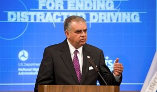 DOT chief Ray LaHood unveils distracted driving plan