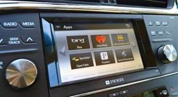 automakers install interactive dashboards